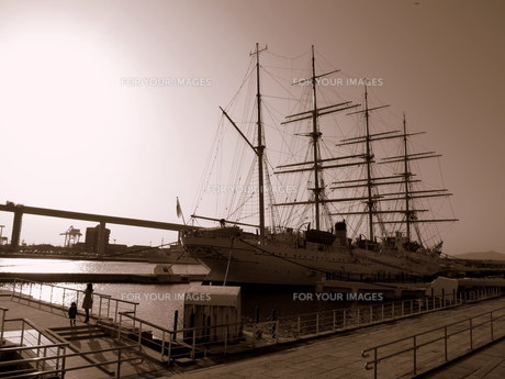 海王丸帆船の写真素材 [FYI00454176]