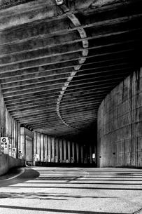 くねくねトンネルの写真素材 [FYI00454265]