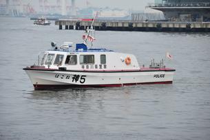 警備船の写真素材 [FYI00454328]