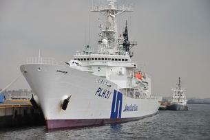 巡視船と 設標船の写真素材 [FYI00454364]