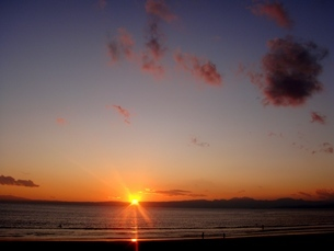 夕日の湘南海岸の写真素材 [FYI00455281]