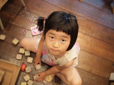 おもちゃ遊びの写真素材 [FYI00455715]
