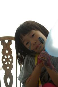 ペインティングの女の子の写真素材 [FYI00455780]