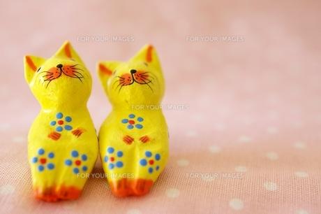 寛いだ表情の猫の置き物の素材 [FYI00455868]