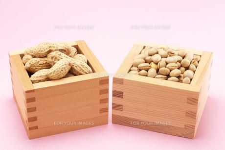 節分の福豆と落花生の写真素材 [FYI00456315]