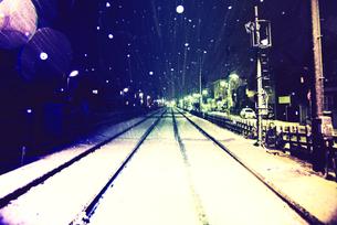 雪の夜の写真素材 [FYI00456467]