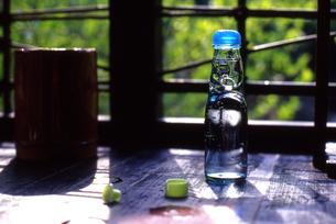初夏のラムネの写真素材 [FYI00456686]