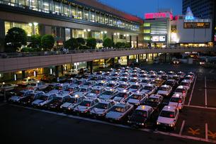仙台駅のタクシー停車場の写真素材 [FYI00456718]