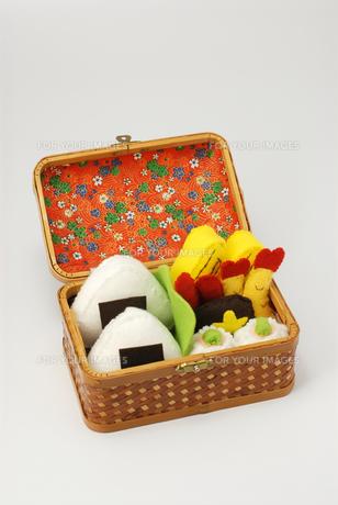 お弁当の手作りおもちゃの写真素材 [FYI00456779]