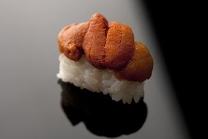 にぎり寿司 ウニの素材 [FYI00457263]