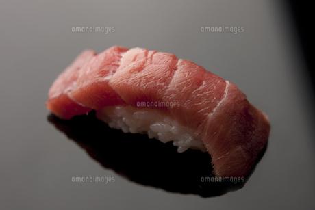 にぎり寿司 中トロの素材 [FYI00457270]
