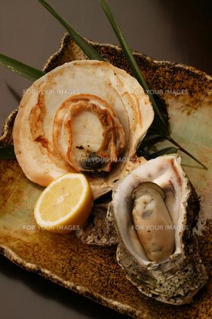ホタテと牡蠣の焼き物の素材 [FYI00457279]