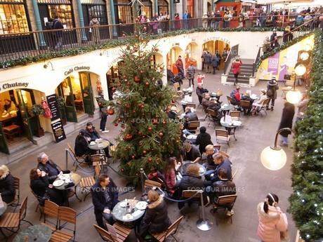 クリスマスのコヴェントガーデンの写真素材 [FYI00457366]