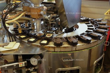 和菓子製造の写真素材 [FYI00457424]