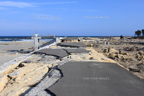 東日本大震災と津波の写真素材 [FYI00457688]