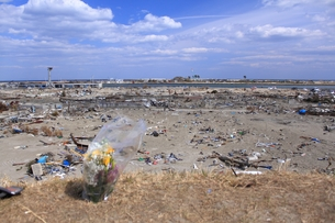 東日本大震災と津波の写真素材 [FYI00457692]