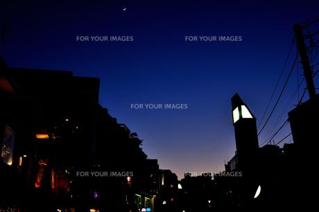 キャットストリートの夕暮れの写真素材 [FYI00460850]