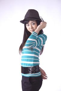 帽子をかぶった キュートな女の子の写真素材 [FYI00461383]