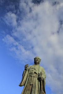 徳川光圀公像 :黄門像広場(千波湖の西側周辺)に立つ。水戸黄門特集に最適。「人物なし」の写真素材 [FYI00461610]