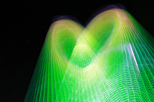 光のハート グリーンの写真素材 [FYI00461697]