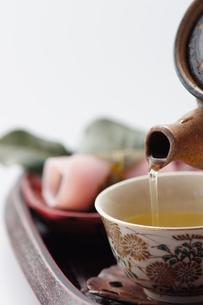 和菓子とお茶の写真素材 [FYI00461826]