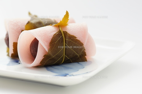 和菓子_桜餅の写真素材 [FYI00461827]