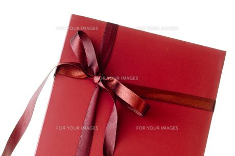 ギフトボックス_赤いリボンと箱の写真素材 [FYI00462032]