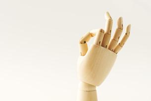 OKサインをする指の写真素材 [FYI00462061]