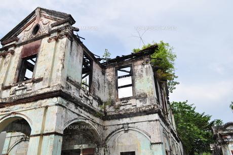 朽ちた家の写真素材 [FYI00462424]
