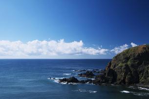 えりもの海と青い空の素材 [FYI00464307]