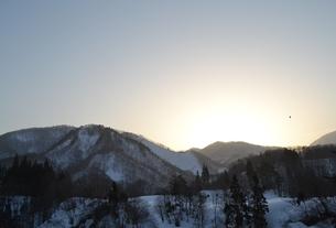 雪国の夜明けの素材 [FYI00464654]