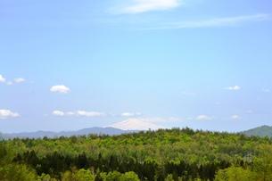 栗駒から鳥海山を望むの写真素材 [FYI00464899]