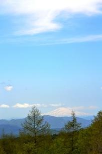 栗駒から鳥海山を望むの写真素材 [FYI00464907]
