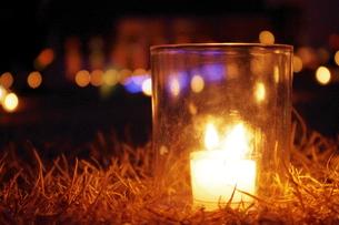 火と過ごす 特別な夜の写真素材 [FYI00465380]