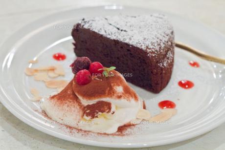 チョコレートケーキの写真素材 [FYI00465438]