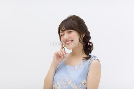ポーズをとる女性の写真素材 [FYI00465917]