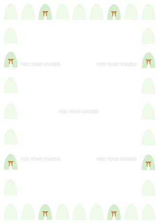 鳥居と神社の森のフレームの写真素材 [FYI00466223]