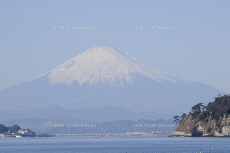 鎌倉から望む富士の写真素材 [FYI00469414]