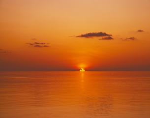 インド洋の夕日の写真素材 [FYI00469984]