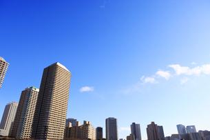 リバーシティ21と佃島のタワーマンション群の写真素材 [FYI00470115]