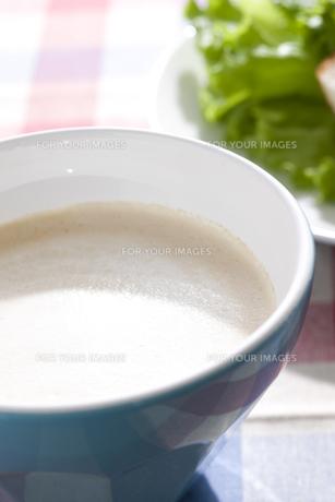カフェオレが入ったカフェオレボールの素材 [FYI00470241]