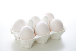 ケースに入った卵の写真素材 [FYI00470362]