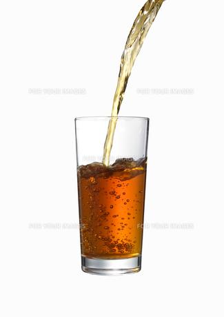 グラスに注がれる紅茶の素材 [FYI00470738]