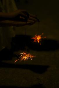 線香花火の写真素材 [FYI00471235]