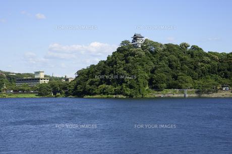 犬山城と木曽川の写真素材 [FYI00472545]