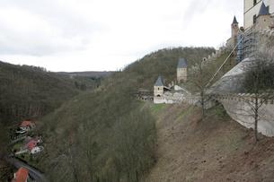 カレルシュタイン城からの眺めの写真素材 [FYI00473463]