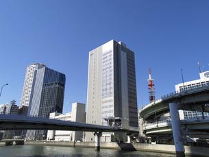 NTT西日本堂島第2ビルと阪神高速出入橋付近の写真素材 [FYI00473717]