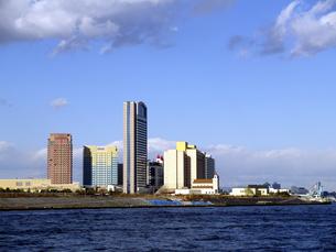 海辺の高層ホテルの写真素材 [FYI00473769]