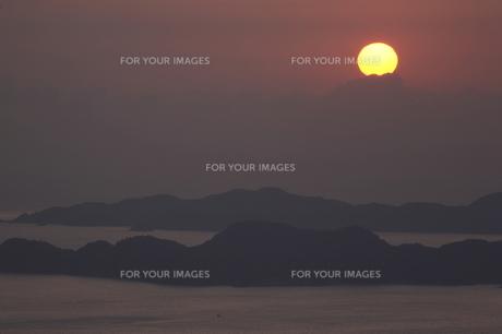 朝の海 日の出の写真素材 [FYI00473835]
