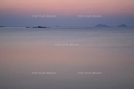 朝の海の写真素材 [FYI00473842]